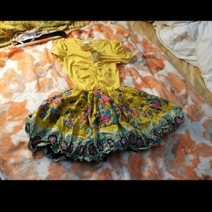 Dresses & Skirts - NWT yellow dress. NEW